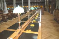 PARIS - BNF - Tables avec séparation verres