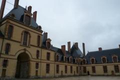 FONTAINEBLEAU Chateau Quartier Henry IV (4)-min