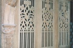 Bouville Farcheville suite du roy 33 Grilles gothique en bois