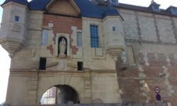 Les ateliers Aubert-Labansat reproduisent l'horloge de la Lieutenance à Honfleur